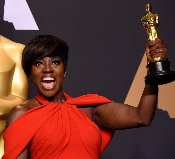Imaginea articolului VIDEO Viola Davis, premiul Oscar pentru cea mai bună actriţă în rol secundar. Discursul actriţei, ovaţionat