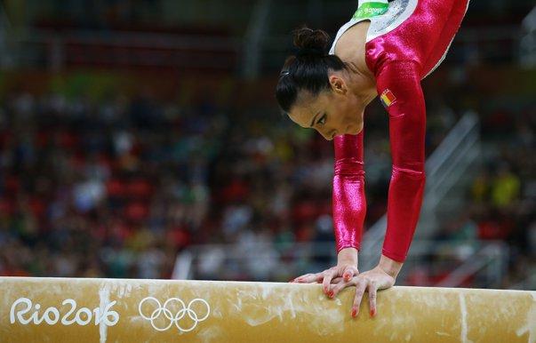 Imaginea articolului VICTORIE pentru Cătălina Ponor! Gimnasta, fericită după ce a cucerit titlul EUROPEAN la bârnă:  Îmi dă putere această medalie. Mi-am dorit-o din tot sufletul/ Larisa Iordache, medaliată cu bronz