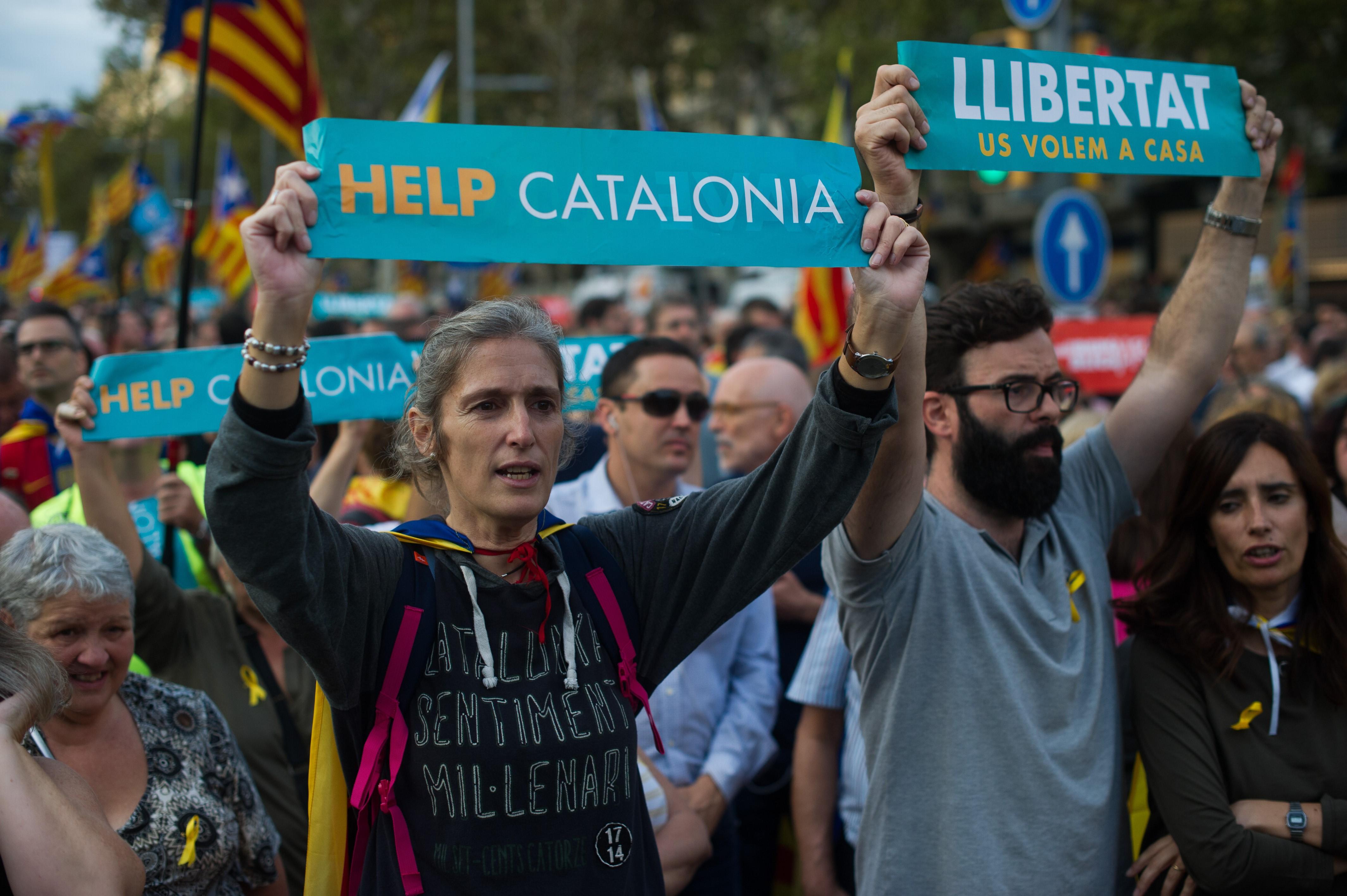Parlamentul catalan, dizolvat în mod formal