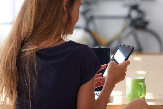 Imaginea articolului (P) 5 motive pentru care este recomandat să-ţi rezervi vacanţa direct de pe mobil