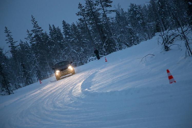(P) Continental este dublu câştigător la testul anvelopelor de iarnă ADAC
