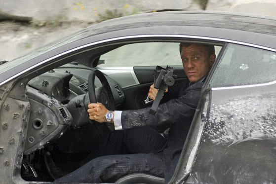Picture of the article The huge amount of James Bond will pay for damage caused by dangerous driving