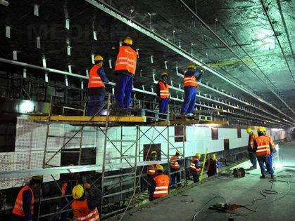 Tronsonul de metrou Drumul Taberei-Universitate va fi pus în funcţiune în 2016, cu un an întârziere
