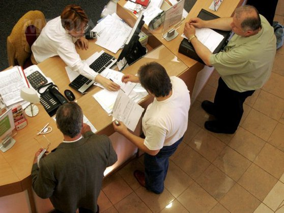 """Imaginea articolului Clauzele abuzive din contracte de prestări servicii, inclusiv în credite, DENUNŢATE din octombrie. Ponta confirmă: """"Nu mai amânăm deloc"""""""
