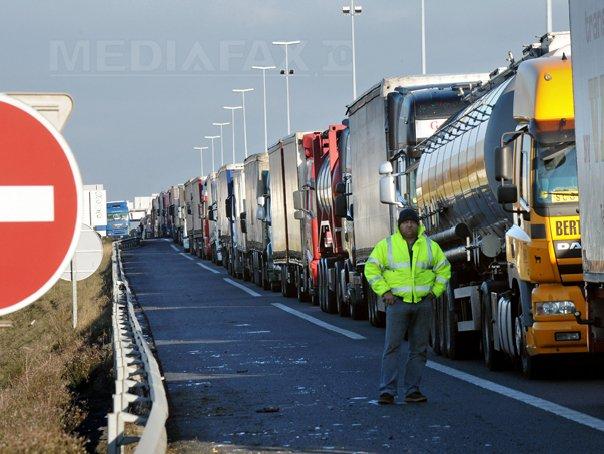 Restrictie de circulatie pentru camioane pe teritoriul Ungariei, p�na miercuri, la ora 23.00