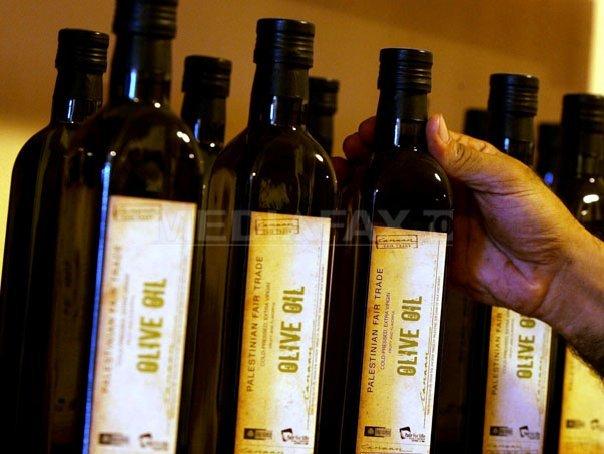 Pretul uleiului de masline, �n crestere din cauza secetei din Spania si a unei bacterii din Italia