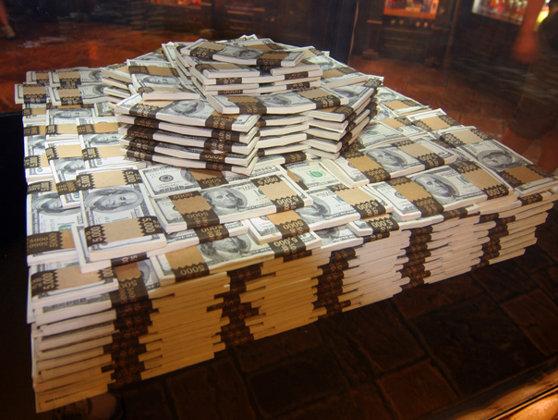 Imaginea articolului Ponta: Până la sfârşitul anului trebuie să cheltuim enorm de mult, peste 3 miliarde de dolari pe investiţii publice