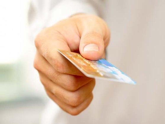 Imaginea articolului Populaţia va putea achita taxele cu cardul. Comisioanele vor fi suportate de stat, la maxim 0,3% din valoarea tranzacţiei
