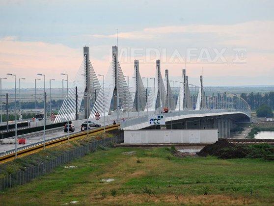Imaginea articolului Guvernele României şi Bulgariei s-au angajat să înceapă construcţia a două noi poduri peste Dunăre