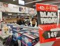 Imaginea articolului BLACK FRIDAY ÎN ŢARĂ: Cozi în mai multe oraşe din ţară, de la primele ore ale dimineţii - FOTO