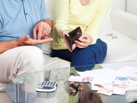Imaginea articolului STUDIU: Trei sferturi dintre români nu-şi planifică banii şi nu economisesc pentru pensii, educaţie sau urgenţe