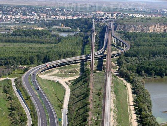 Imaginea articolului Taxa pentru trecerea podului Feteşti-Cernavodă va fi plătită prin intermediul unui sistem electronic