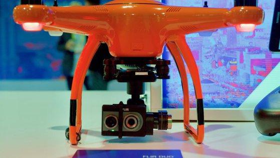 Imaginea articolului Drona subacvatică şi kitul pentru fabricarea berii acasă, printre inovaţiile prezentate la târgul Consumer Electronics Show 2017, din Las Vegas
