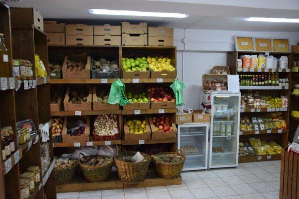Imaginea articolului GALERIE FOTO 17 producători din Alba au deschis primul magazin cu produse 100% naturale şi româneşti din judeţ
