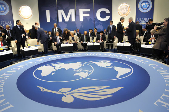 Imaginea articolului FMI se va axa pe reducerea dezechilibrelor la nivel mondial. Organizaţia elimină angajamentul anti-protecţionism