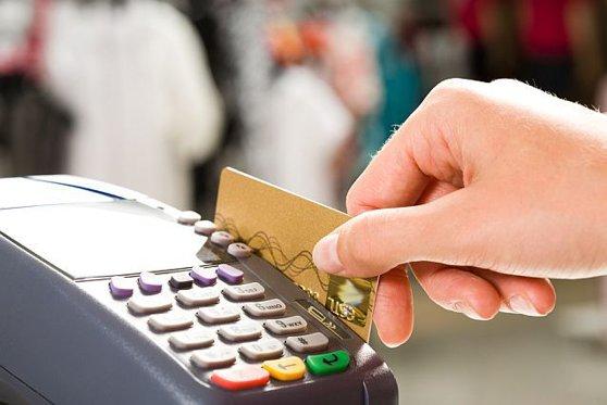 Imaginea articolului Proiect de hotărâre: Comercianţii şi instituţiile publice, OBLIGATE să accepte plata cu cardul