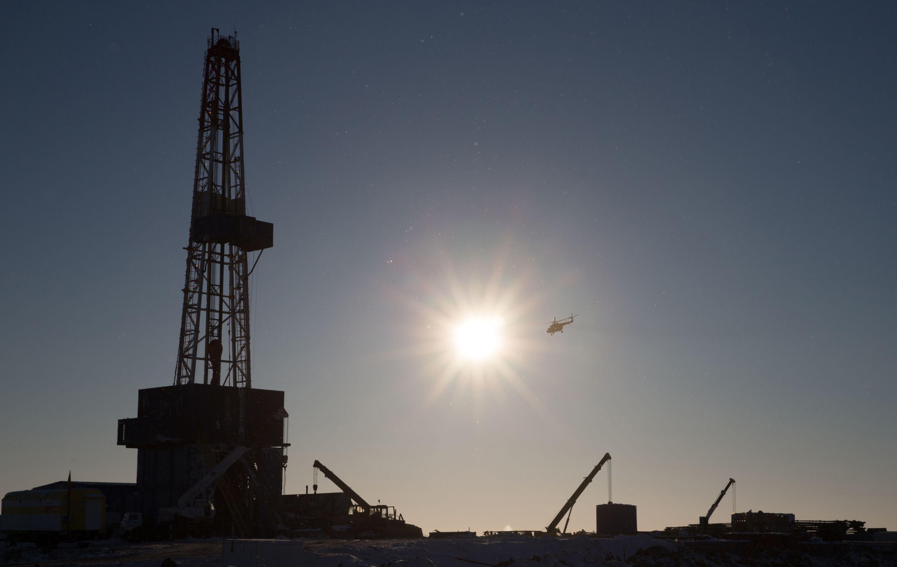 Iranul creşte volumul exportului de petrol către Occident