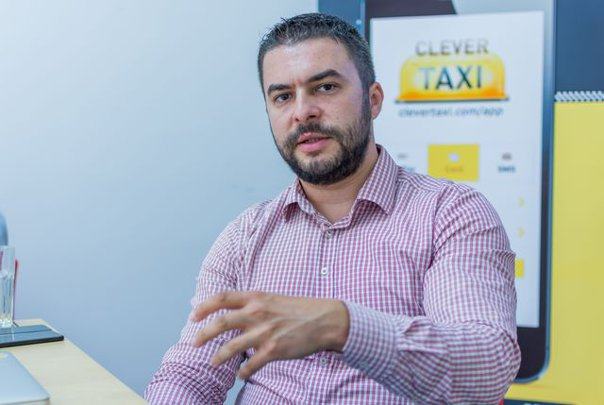 Imaginea articolului Tranzacţie de peste 10 milioane euro. Fondatorii Clever Taxi, cea mai mare aplicaţie mobilă de taxi din România, milionari în euro după ce au vândut către mytaxi - Daimler Mercedes