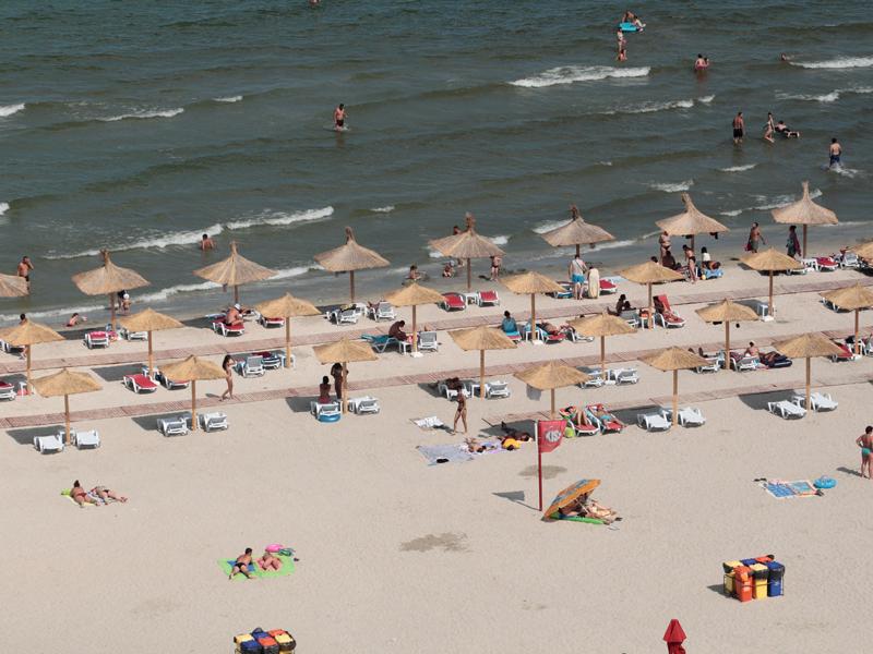 Preşedintele Patronatelor din Turism: Nu este normal ca un hotel de pe litoral să nu aibă plajă în administrare