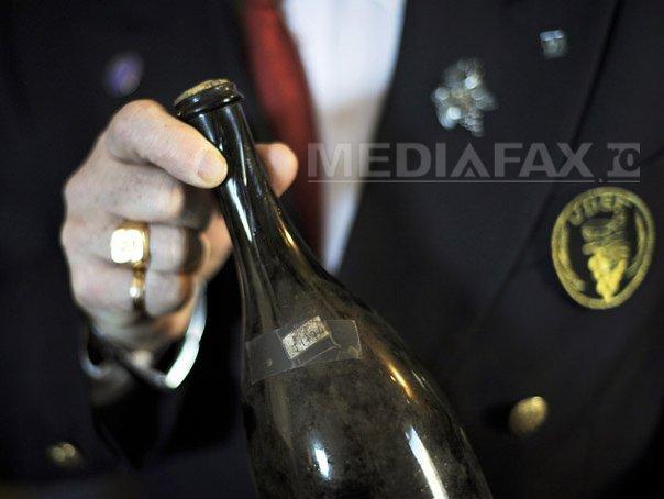 Forţele Navale Române vor să cumpere 9.700 de litri de vin ` plăcut, armonios, fără gust străin`
