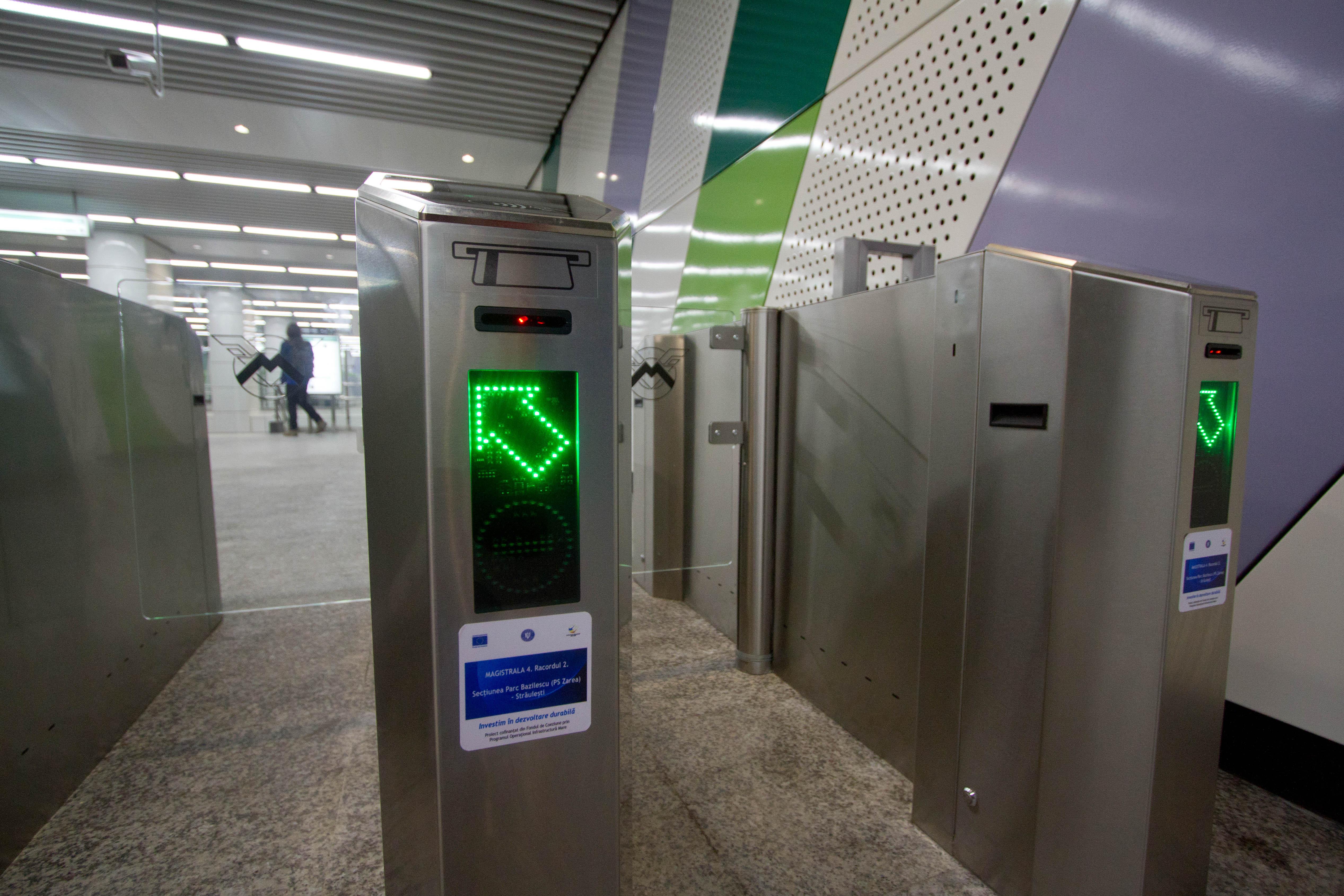 Metrorex închide accesul la intrările unor staţii de metrou. Calendarul lucrărilor de modernizare a sistemului de control