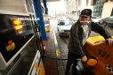 Imaginea articolului Consiliul Concurenţei verifică preţurile la carburanţi după introducerea supraaccizei/ Ministrul finanţelor: Sincer, nu am urmărit care este preţul carburanţilor la pompă