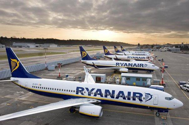 Imaginea articolului Ce sumă primesc piloţii Ryanair dacă renunţă la concedii şi lucrează pe perioada anulării a zeci de zboruri