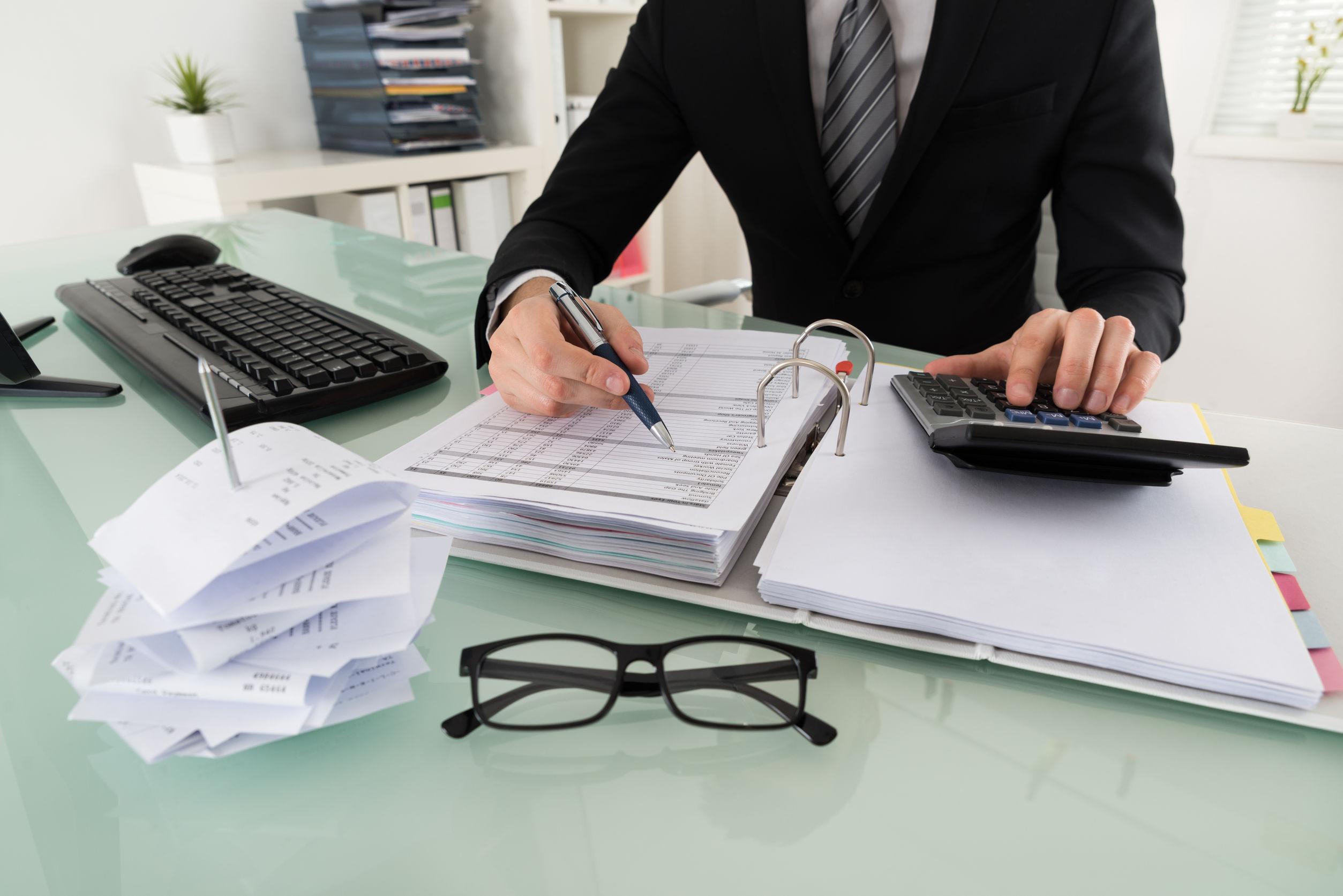 Au început înscrierile pentru atribuirea calităţii de consultant fiscal. Ce aptitudini se cer