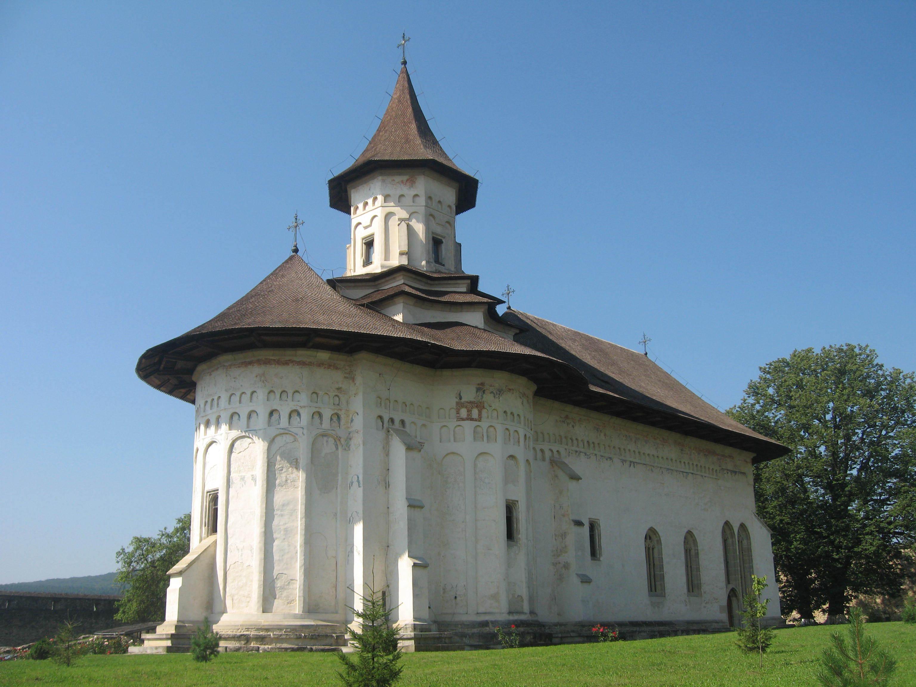 Mănăstirile Zamfira şi Probota vor fi reabilitate din fonduri europene