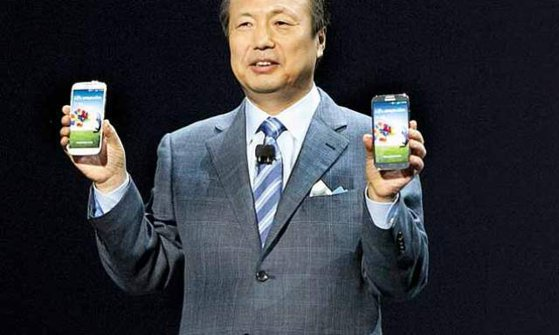 Imaginea articolului SAMSUNG ar putea câştiga mai mulţi bani dacă modelele iPhone X ale APPLE au succes, în detrimentul celor ale propriului brand