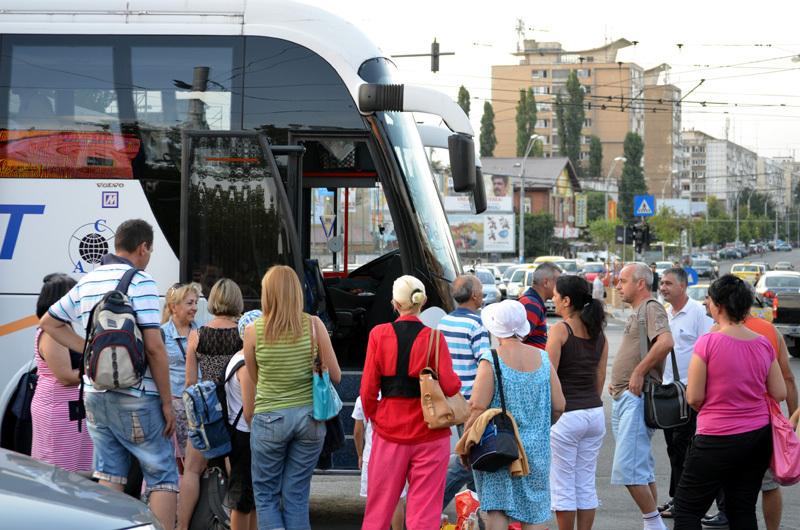 Turiştii care au cumpărat vacanţe prin Omnia Turism sunt sfătuiţi de autorităţi să nu mai plece