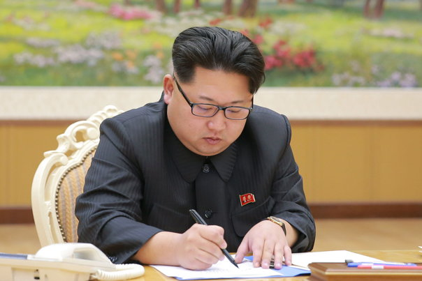 """Imaginea articolului Cine ţine """"în viaţă"""" Coreea de Nord, cea mai mare ameninţare din lume: 90% din exporturi se duc către o singură putere militară"""