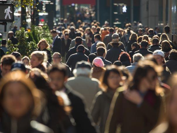 Eurostat: Aproape 40% din populaţia României este expusă riscului de sărăcie şi excluziune socială