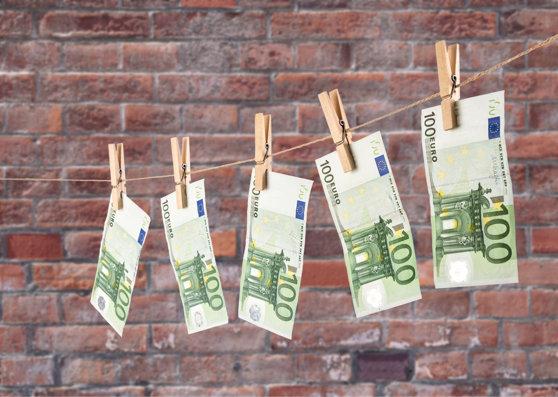 """Imaginea articolului Cum a devenit o ţară membră a UE, a zonei euro şi a NATO, """"spălătoria"""" de bani a ruşilor bogaţi"""