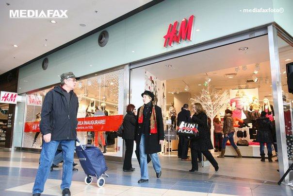 Imaginea articolului Probleme pentru H&M? Retailerul trebuie să schimbe măsurile pentru femei după ce mai multe cliente au raportat că nu se potrivesc cu realitatea