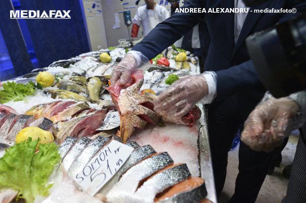 """Imaginea articolului SCANDALUL """"hering colorat vândut ca somon"""": Protecţia Consumatorilor a amendat Ocean Fish cu 10.000 de lei"""