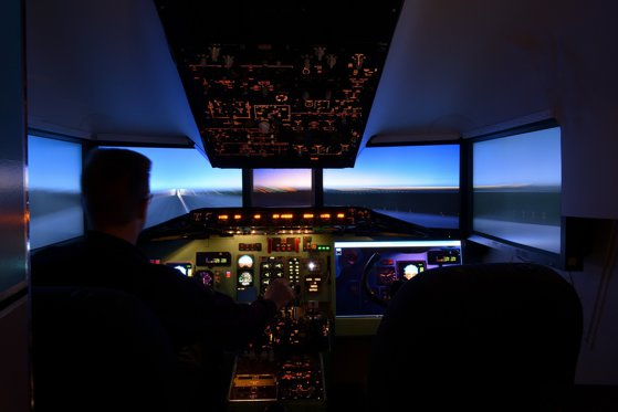 Imaginea articolului România va avea primul centru de instruire pentru piloţi cu simulator complet de zbor. Aviatorii nu vor mai fi nevoiţi să se pregătească în afara ţării