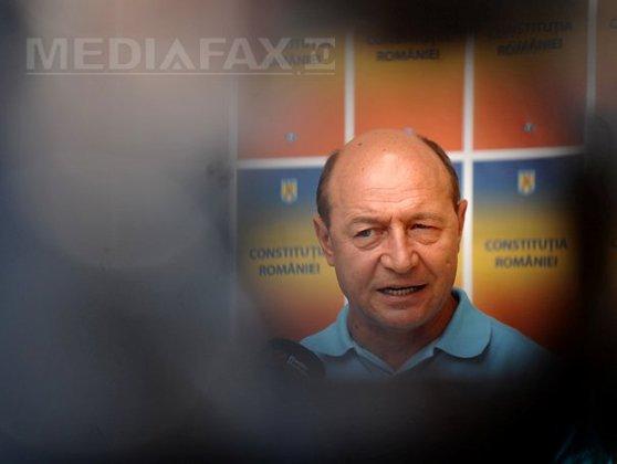 Imaginea articolului CRONOLOGIE: 2012, anul războiului politic. Declinul popularităţii lui Băsescu - vehiculul electoral al USL
