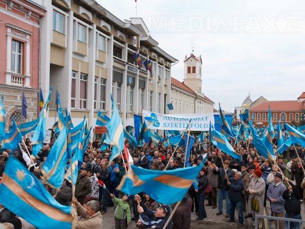 Sf�ntu Gheorghe: PCM si UDMR organizeaza un miting pentru respectarea Proclamatiei de la Alba Iulia