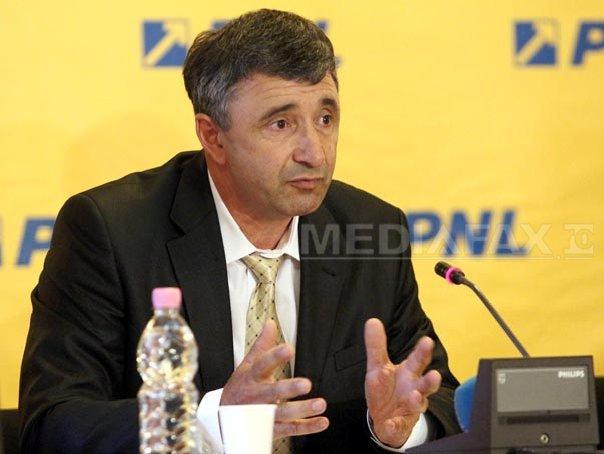 Vicepresedinte PNL: Am 100 de vaci �n curte si Guvernul Ponta mi-a trimis cupon pentru defavorizati