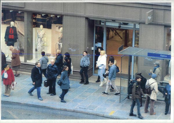 Basescu: Fotografiile de la Paris, operatiune cu servicii rom�nesc si francez. Nu trebuie sa ram�na asa