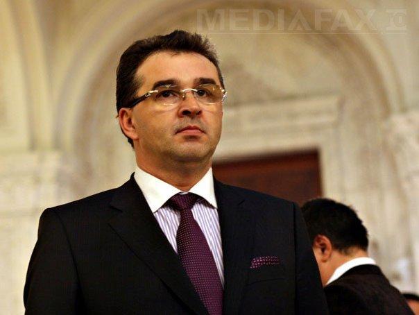 Marian Oprişan, despre o posibilă remaniere: Premierul ar trebui să renunţe la miniştrii(...)