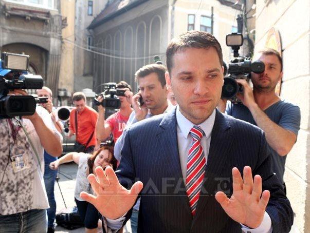 Şedinţă CExN al PSD. Declaraţiile membrilor partidului la intrarea �n(...)