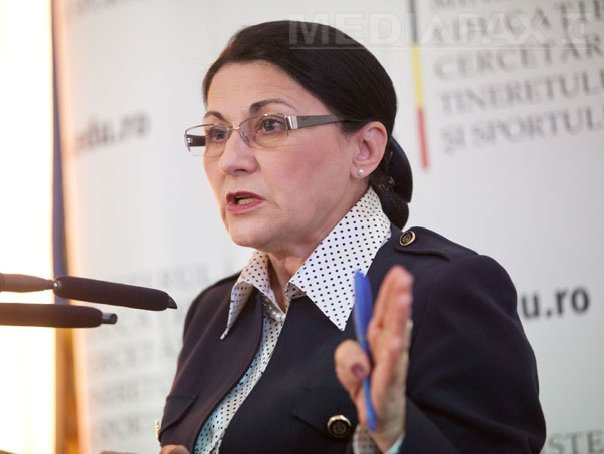 Andronescu, despre excluderi din PSD: Un război aduce doar victime. Unii au plătit deja pentru că au(...)