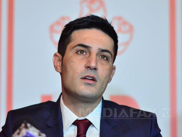 Manda: Cred că ar trebui să continuăn cu Victor Ponta preşedinte şi(...)