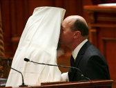Mandatele lui Băsescu în IMAGINI. Cele mai INEDITE ipostaze în care a fost surprins preşedintele - GALERIE FOTO