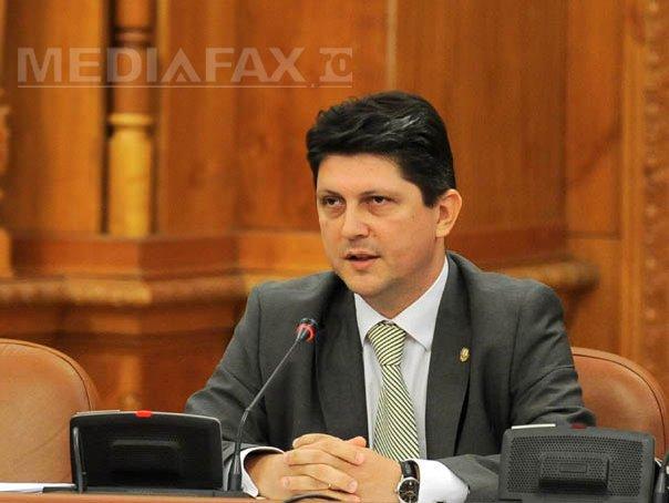 Geoană, înlocuit cu Corlăţean în funcţia de şef al comisiei parlamentare pentru aderarea la Schengen