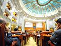 Imaginea articolului Dezbaterea alegerii în două tururi a fost respinsă. Senatorii PNL au părăsit plenul