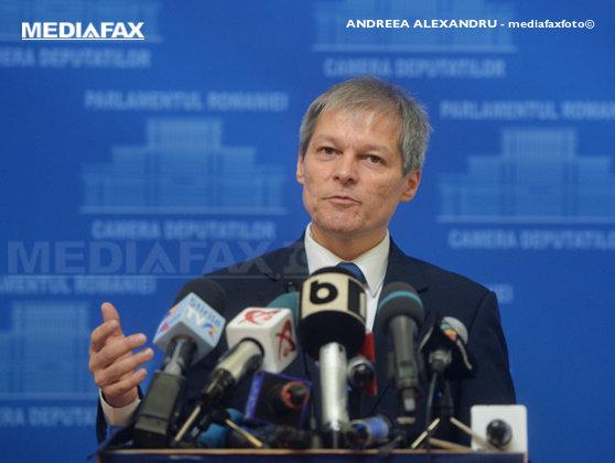 Imaginea articolului Cioloş: Nu îmi fac iluzia că într-un an vom porni sau finaliza toate măsurile de combaterea sărăciei. Pachetul de măsuri, finanţat de la buget şi din fonduri UE