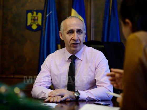 Imaginea articolului Ministrul Transporturilor va da luni explicaţii despre autostrada Transilvania în faţa deputaţilor